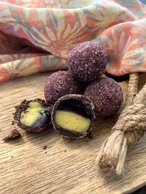Hallonmarmelad och mangoganache