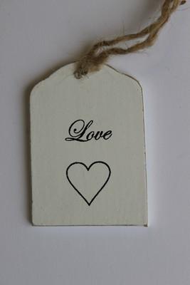 Häng-etikett med hjärta och text