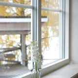 Fast fönster Outline 3-glas trä