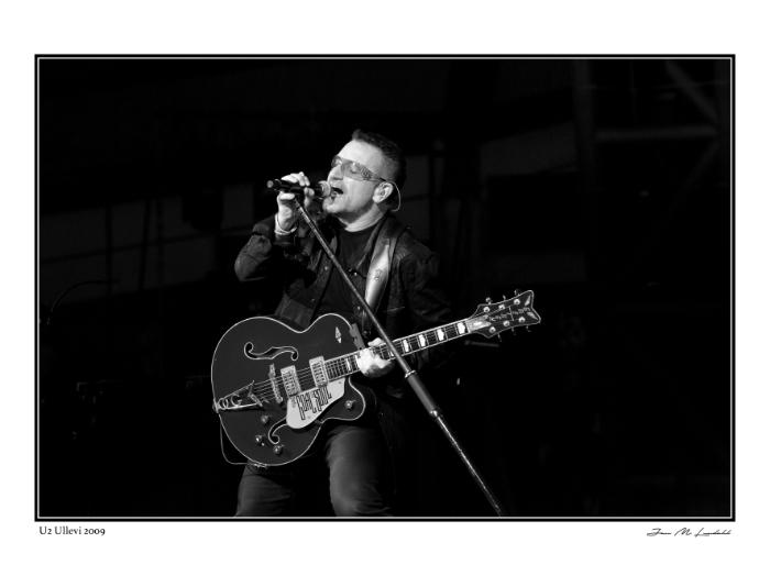 U2 -- Bono