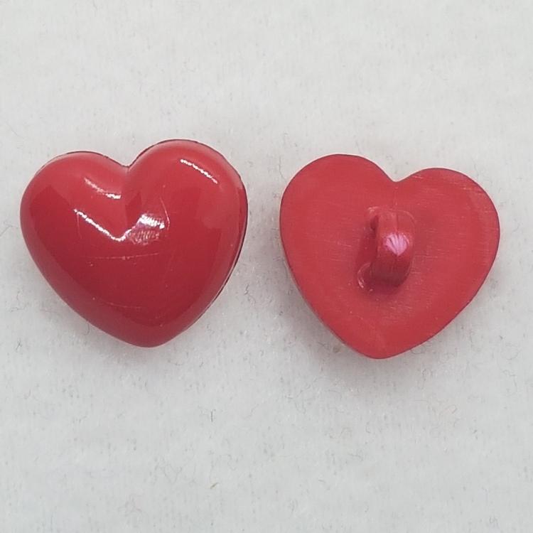 Plastknapp Hjärta (röd)