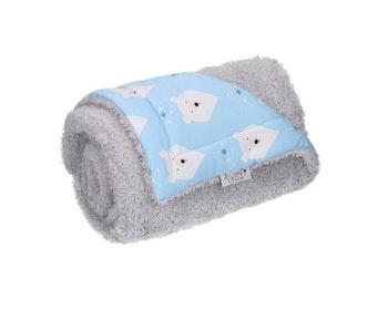 Isbjörn - blå barnfilt i fleece