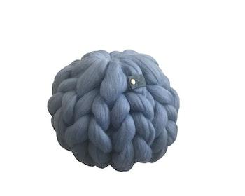 Super Chunky prydnadskudde blå