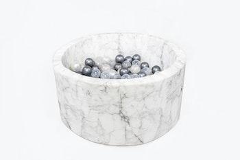 Misioo -  marmor vit bollhav i sammet