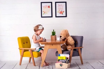 Barnbord och stolar