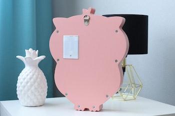 Baksidan av rosa Uggla LED nattlampa för barn