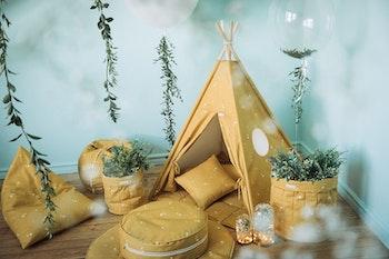 Honung tipi tält med lekmatta i gult