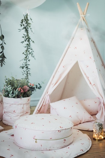 Rosé golvkudde för barn och barnrummet - rosa