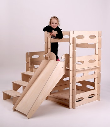 Utvecklande och pedagogiska leksaker för barn - Montessori lekstuga från Only Handmade