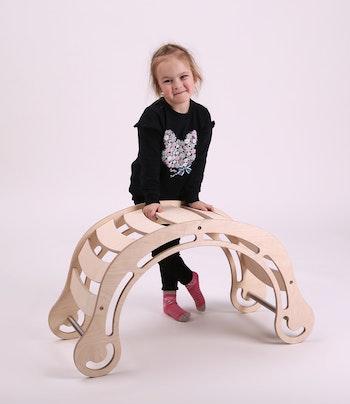 Utvecklande och pedagogiska leksaker för barn från Only Handmade