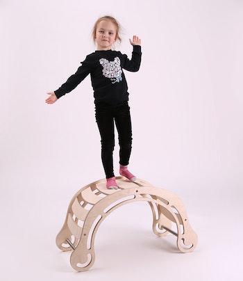 Montessori gunga i trä med många funktioner