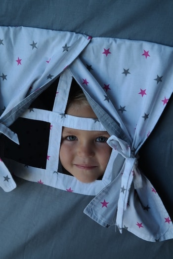 Grå lektält tipit för barn