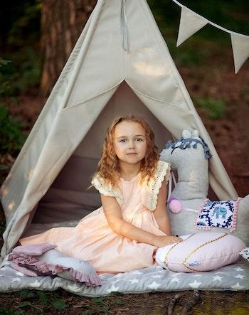 Grå utomhus tält för barn