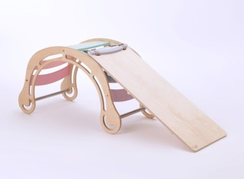 Klassisk montessori-gunga med rutschkana