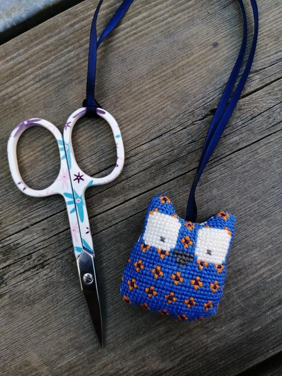 Scissors keep uggla