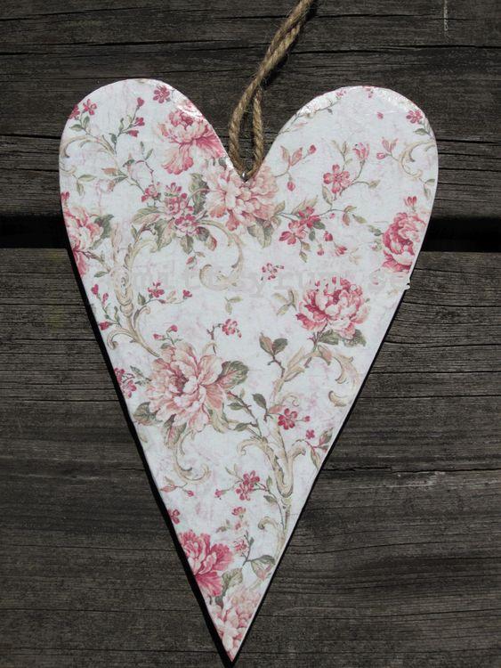 Trähjärta Små rosor