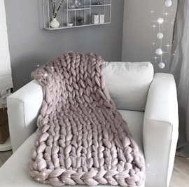 SMALL LUXE CHUNKY KNIT BLANKET 70x120