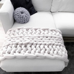CHUNKY KNIT SOFA RUNNER