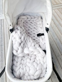 CHUNKY KNIT SLEEPING BAG SIDE CLOSING