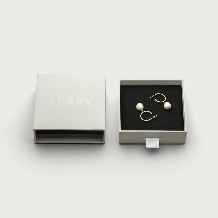 Pearly hoops earrings box