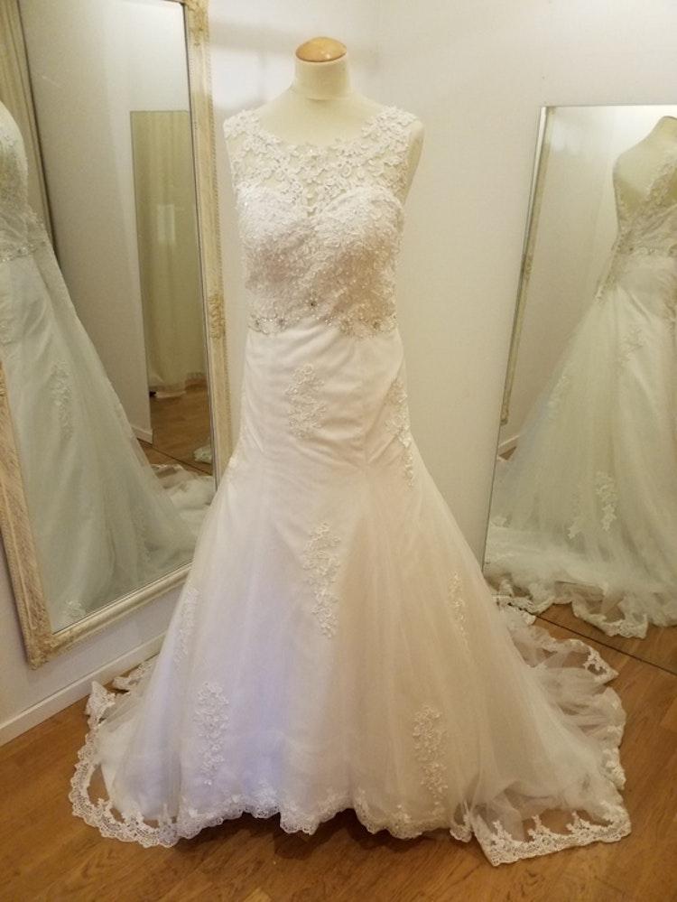 Brudklänning Carmen