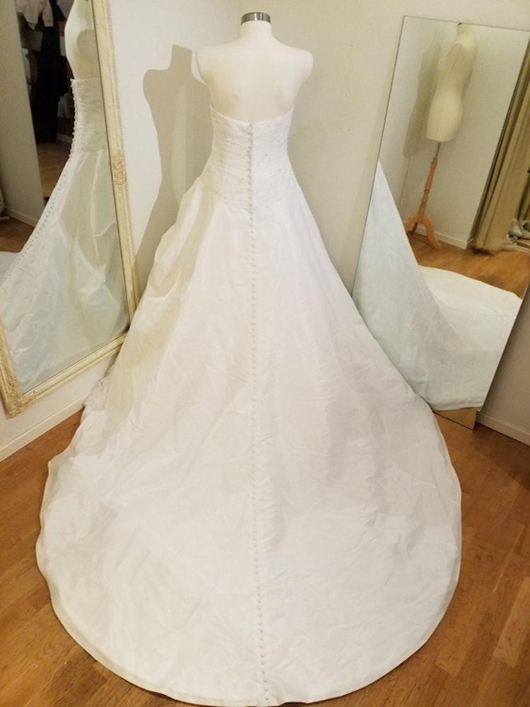 Brudklänning Chrystabell