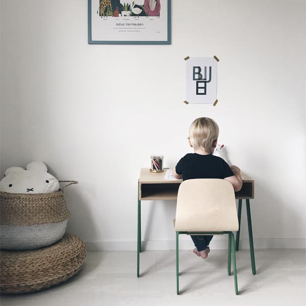 In2Wood - Barnskrivbord och stol grön