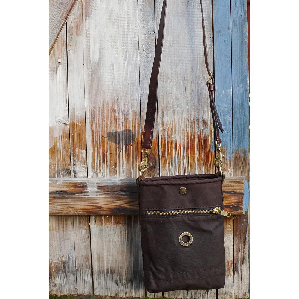 Oscar Borgström Flat Bag Axelremsväska 23x28x4cm oljevaxad vintage canvas brown