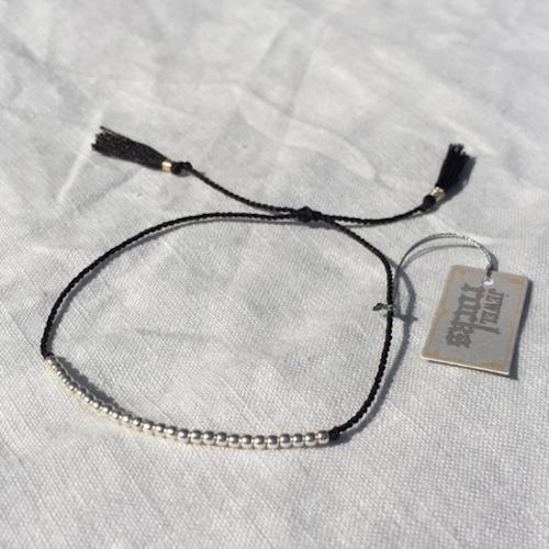 Armband (svart med silver) från Jewel Rocks