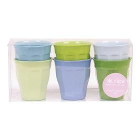Blå och gröna melaminkoppar i 6-pack (7 x 7 cm) från RICE