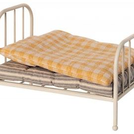Vintage säng Teddy