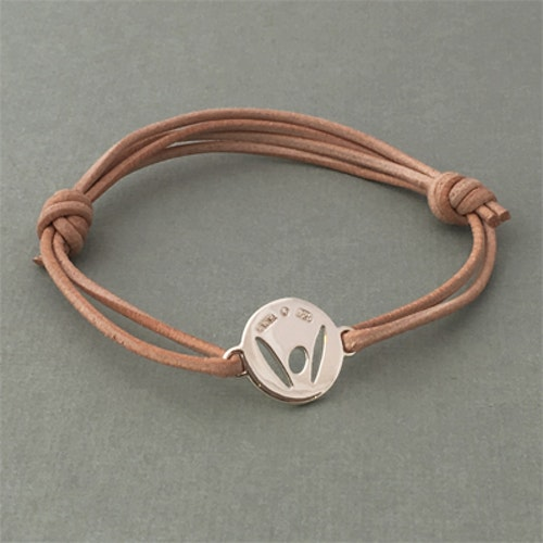 """""""Pick-Me-Up"""" Small silver tag, strap in natural color"""