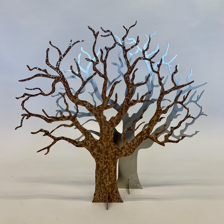 Ödeträd på fot i Corten