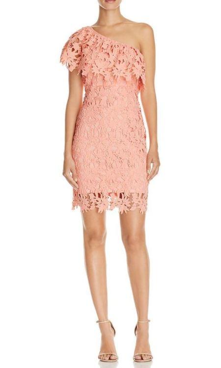 Rosa spetsklänning - one shoulder (storlek L) - House of Leo 18f27a1a958cf