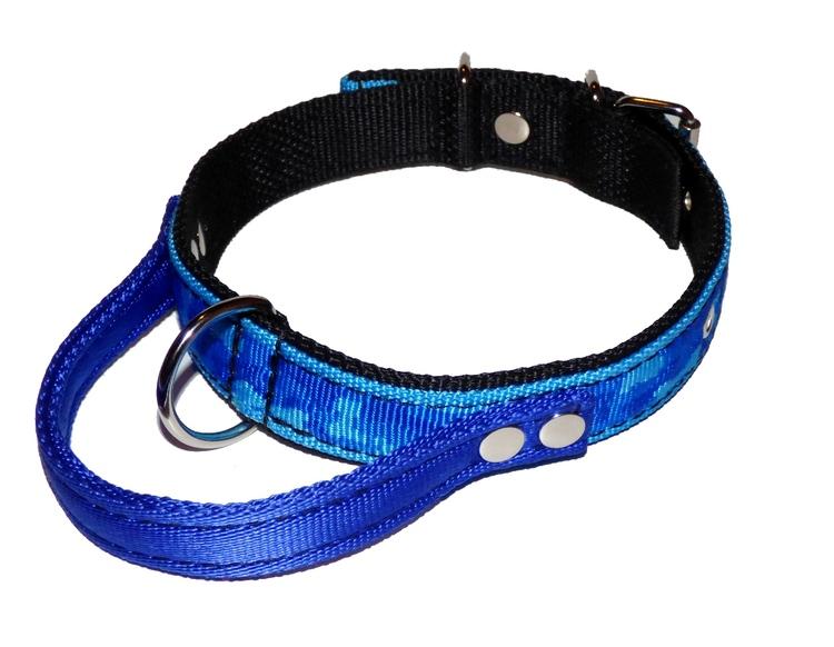 """Halsband med handtag """"blå camouflage"""""""