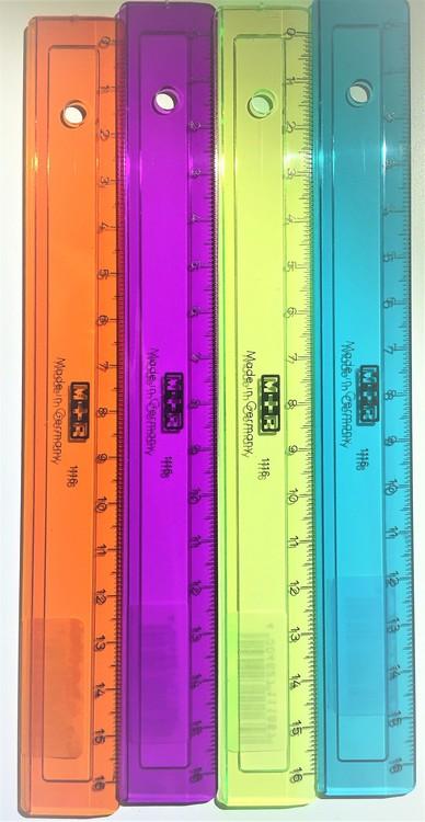 Linjal plast 16 cm färg