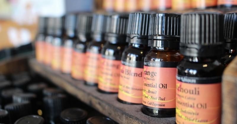 Parfymoljor, doftoljor och eteriska oljor