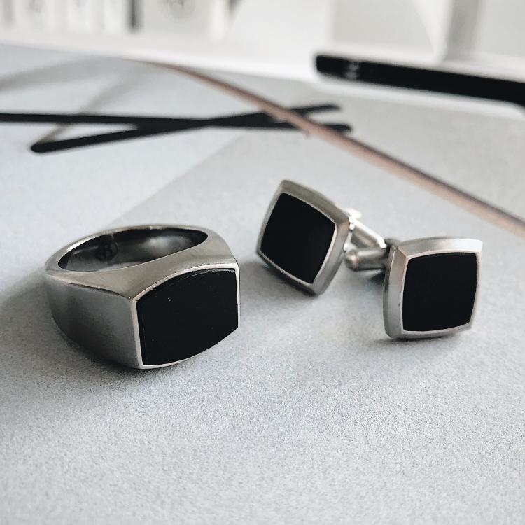 Cuff links, carbon fiber, black