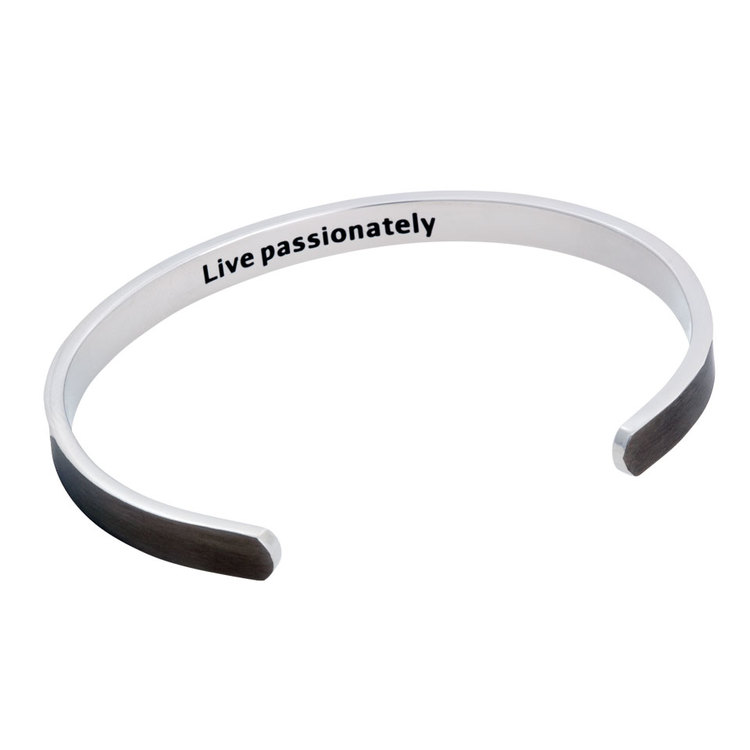 "Stålarmband, Cuff ""Live passionately"", svart"