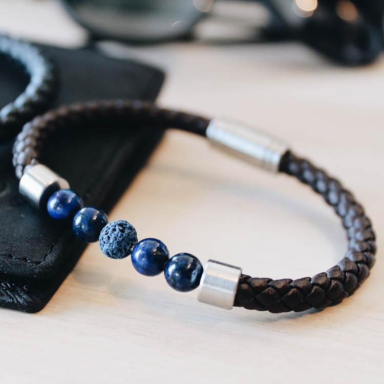 Leather bracelet/beads, brown/blue