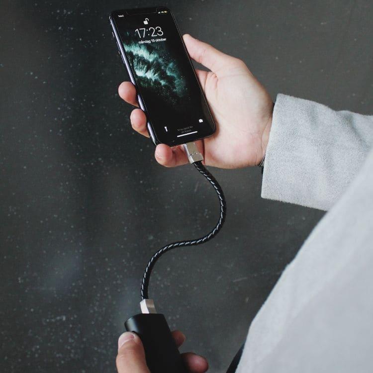 Laddningsarmband, iPhone, läder, svart/stål