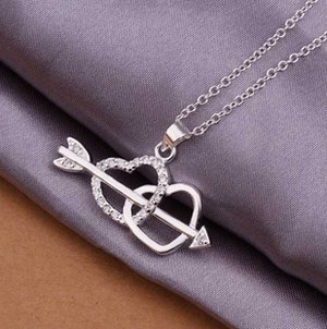 Två hjärtan - Amors pil halsband 925 silver