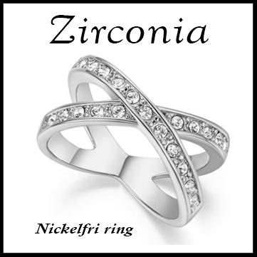 Tidlös ring från Zirconia. Nickelfri