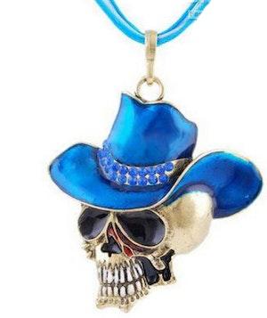 Döskalle med blå cowboyhatt halsband