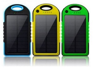 Powerbank 5000 mAh med inbyggda solceller