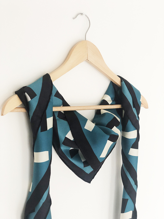 Zack scarf