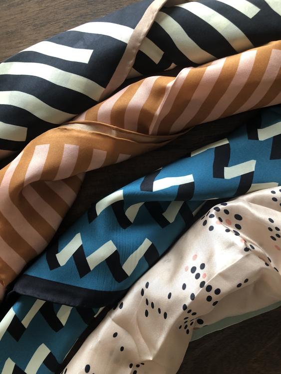 Lea scarf