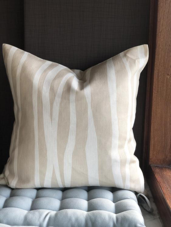 Mambo cushion