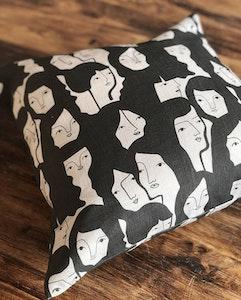 Femme cushion