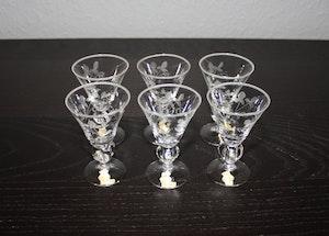 6 st snapsglas med slipat mönster från Skruf